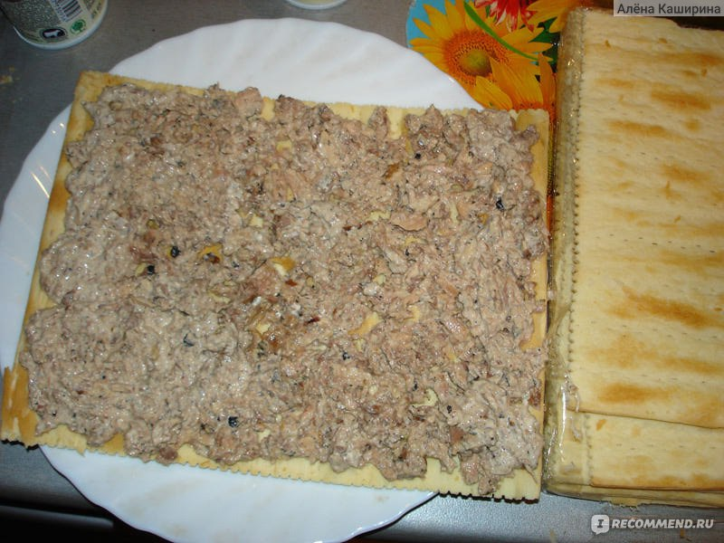 как приготовить быстрый рыбный пирог из готовых коржей