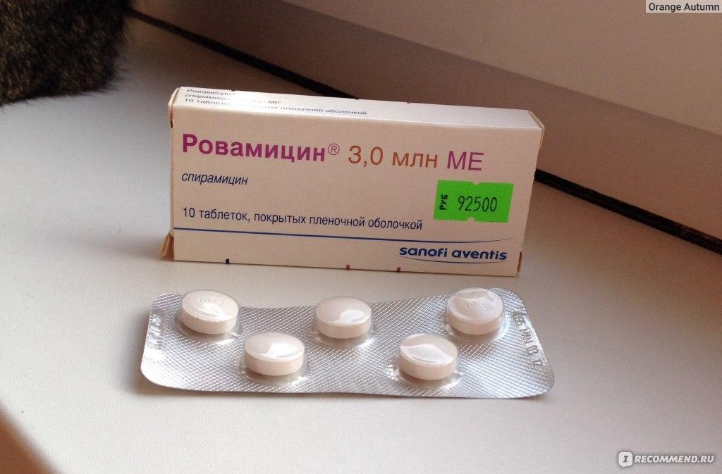 devushki-kupayutsya-nagishom