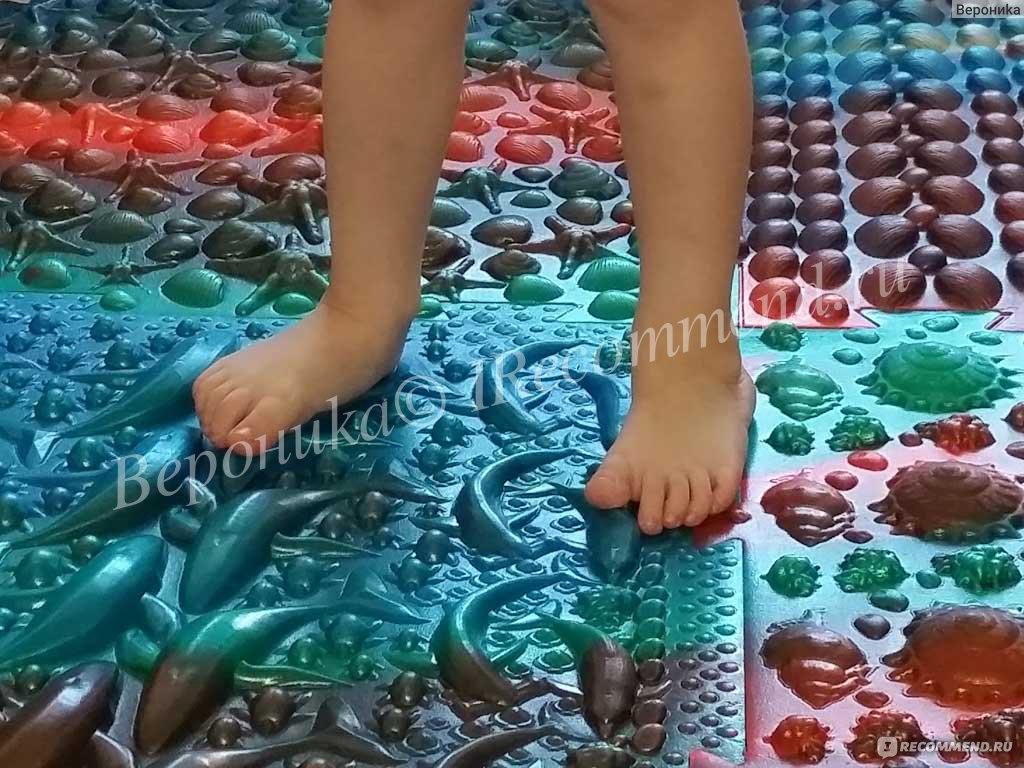 Живой коврик для женских ног и обуви видео смотреть
