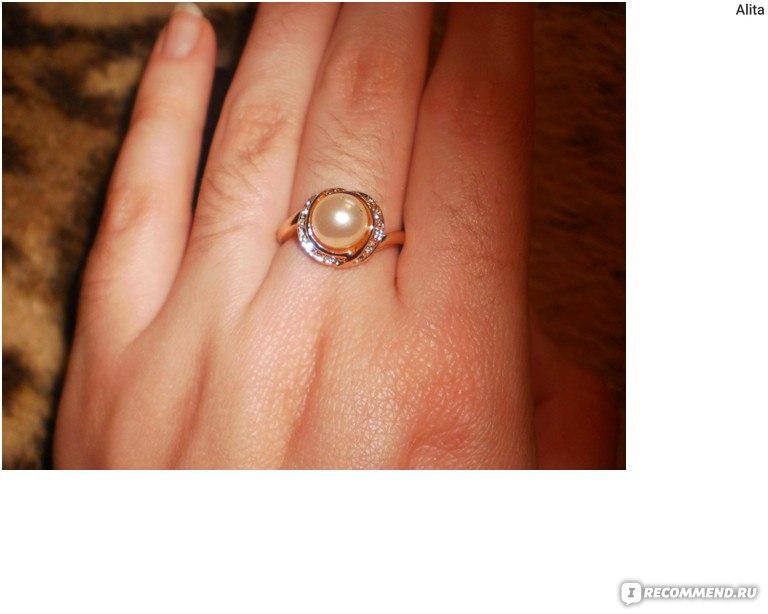 золотое кольцо с жемчугом  цена