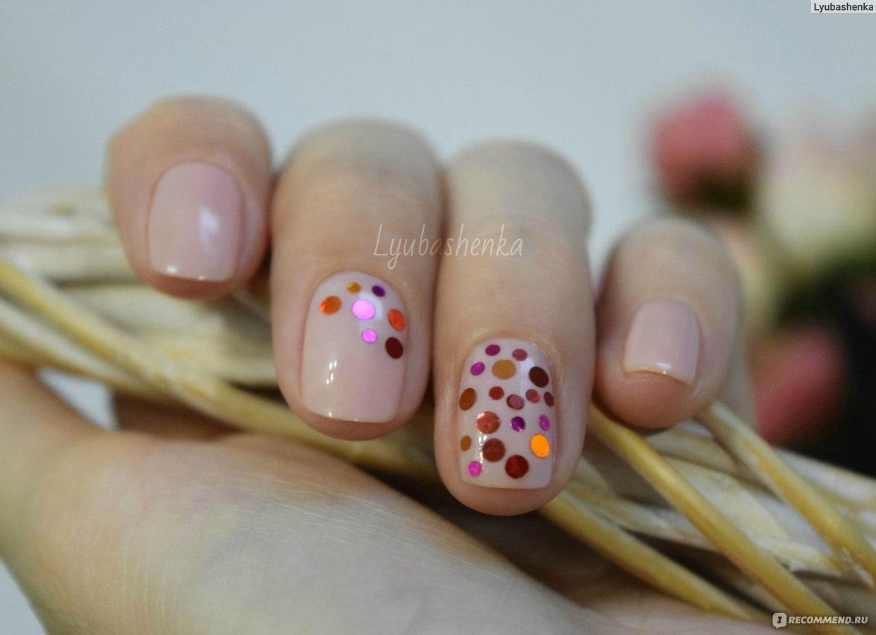 Фото дизайна ногтей с конфетти