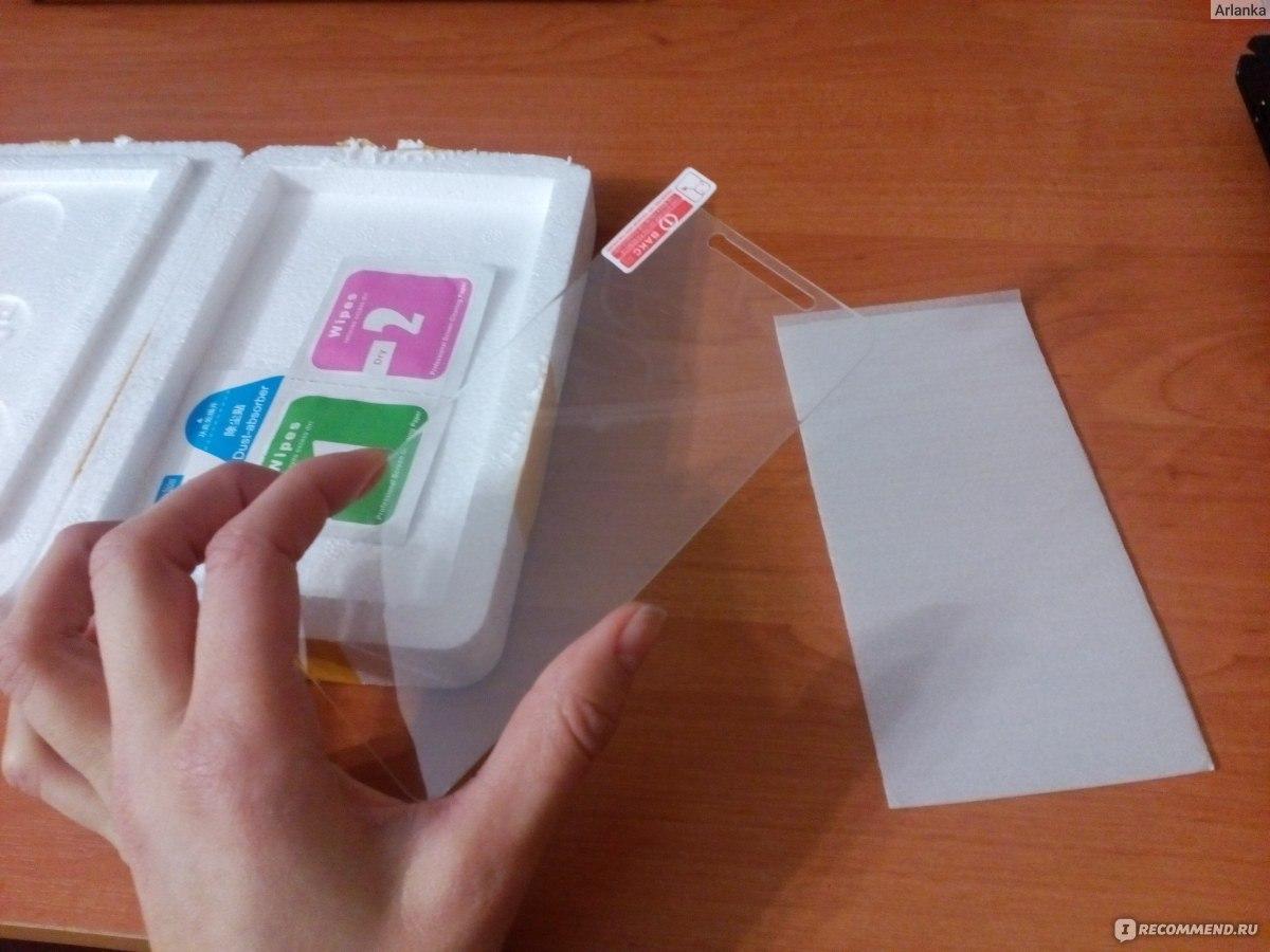 Как наклеить стекло на смартфон в домашних условиях