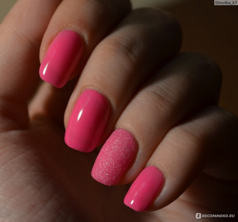 Маникюр шеллак в розовом цвете