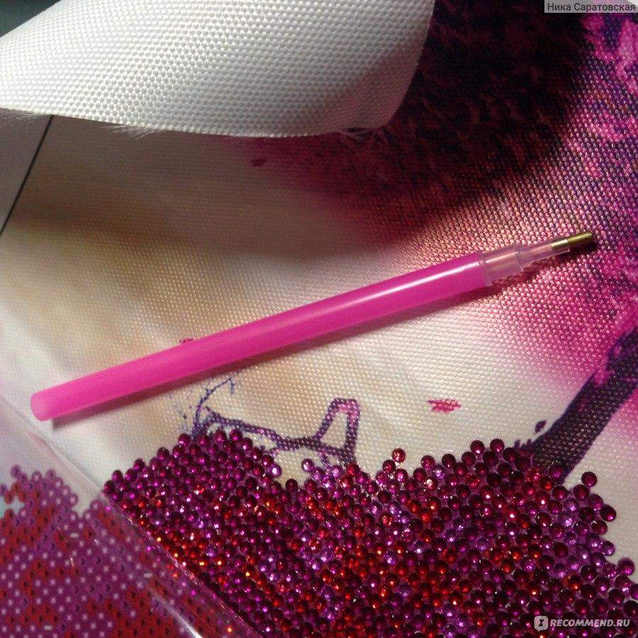 Розовый квадратик в алмазной вышивке