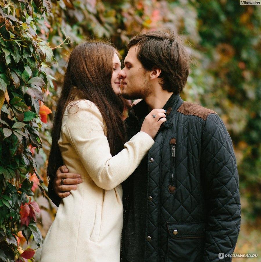 Горячий поцелуй брюнеток фото 749-695
