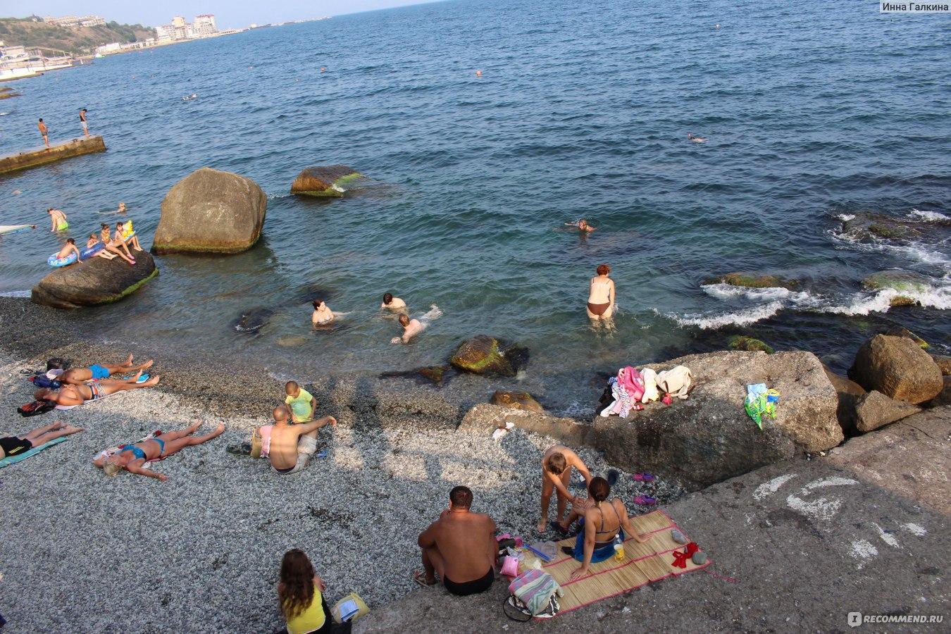 На пляжах ялты фото