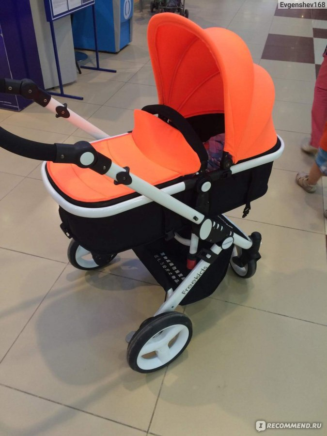 Купить детскую коляску в интернет-магазине в Москве