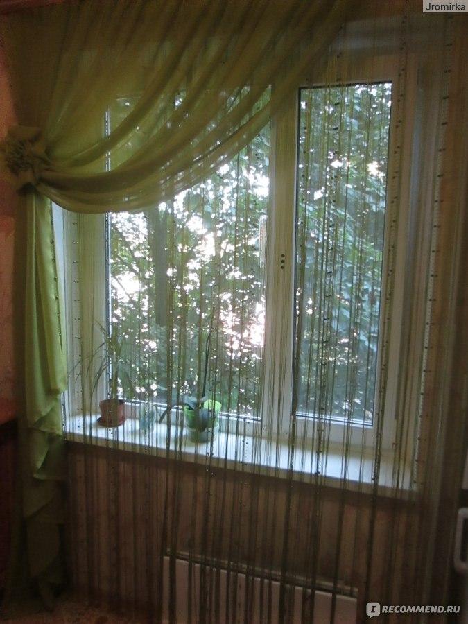 Шторы нити на окне