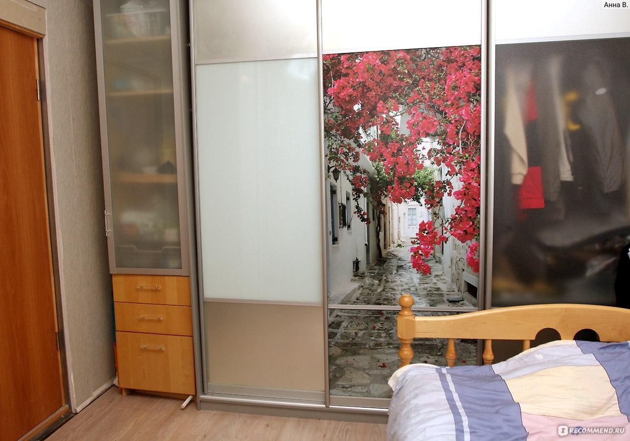 Фотообои на самоклеющейся пленке, наклейка на дверь шкафа-ку.