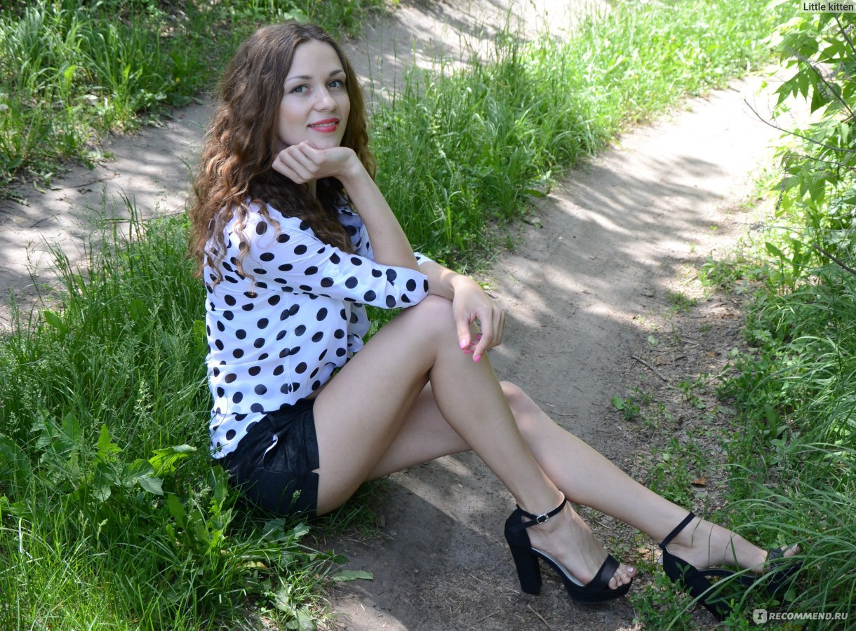 Целовать красивые ножки в туфлях 7 фотография
