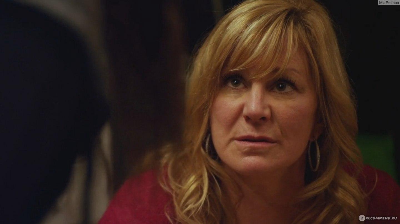 Откровенная Сцена С Эммой Гринвелл – Бесстыжие (2011)