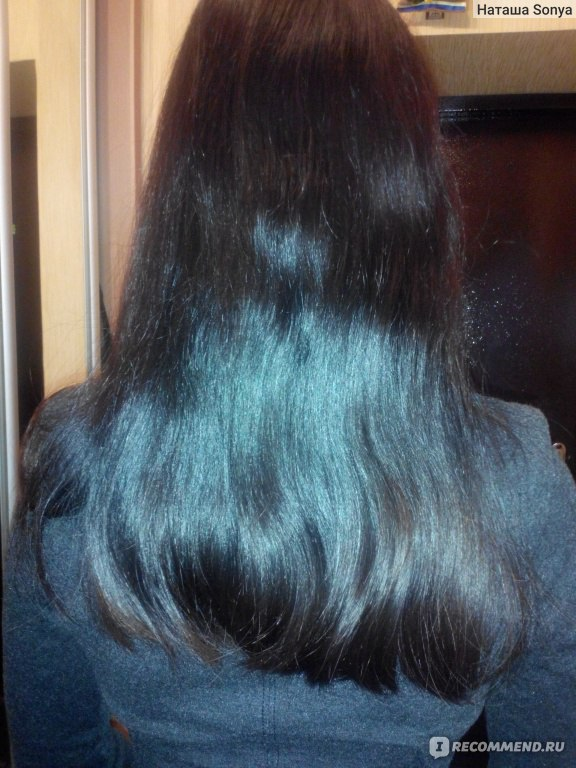 Чёрные волосы  со спины