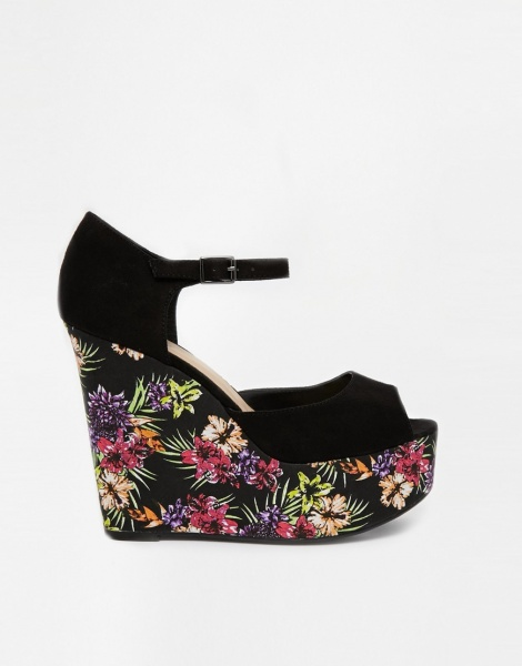 841a6468d Босоножки на танкетке ASOS New Look Rizo 2 Black Floral Wedge Sandals фото