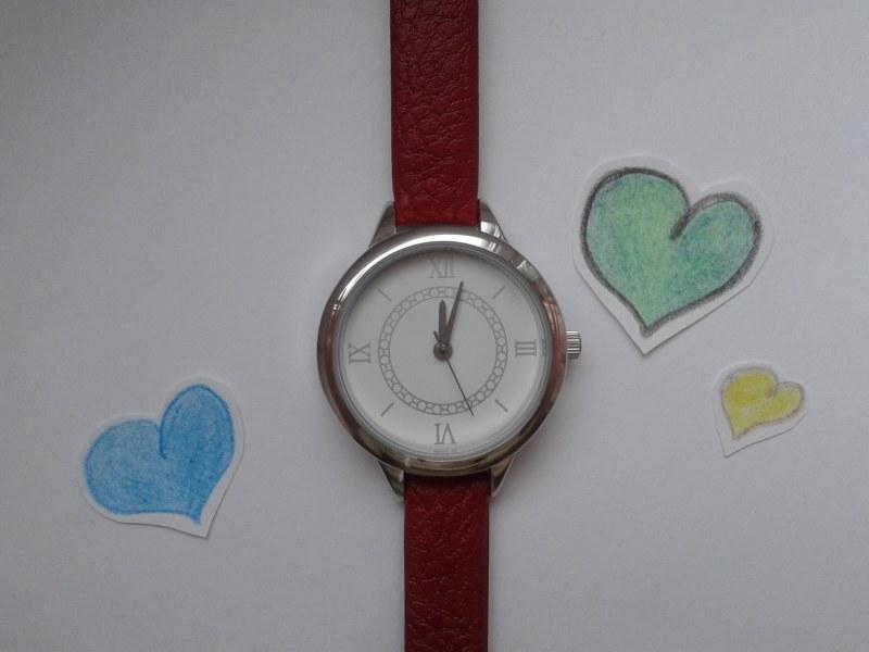 Акция ив роше часы в подарок 19