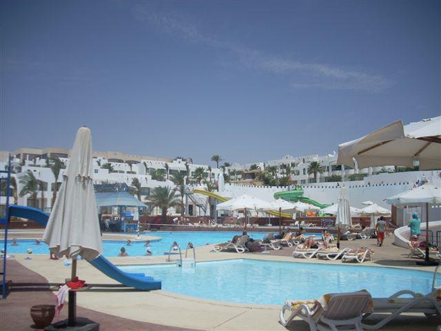 Отель Royal Rojana Resort