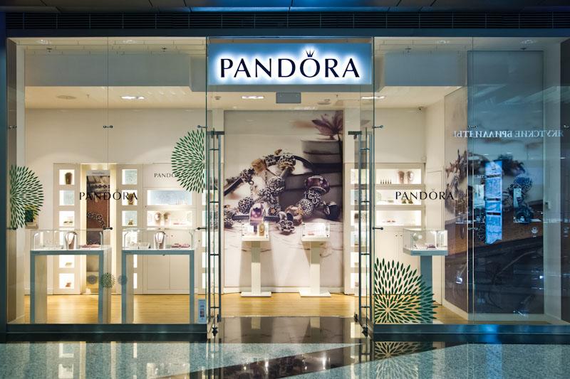 В компании рост доходов связывают с увеличением количества фирменных магазинов pandora