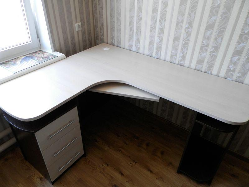 угловой компьютерный стол на заказ фирма Best Line отзывы