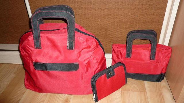 55753eba450b Ив Роше / Yves Rocher стильный дорожный набор (красные сумки) фото