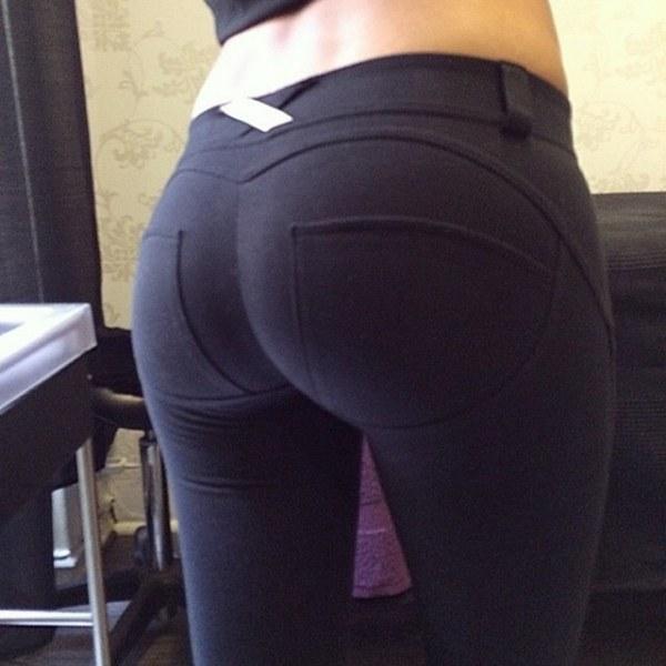 женские попки фото в штанах