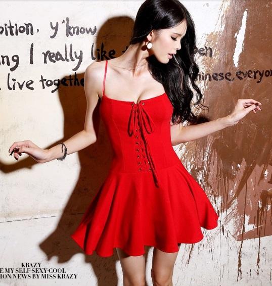 Винтаж в красном платье