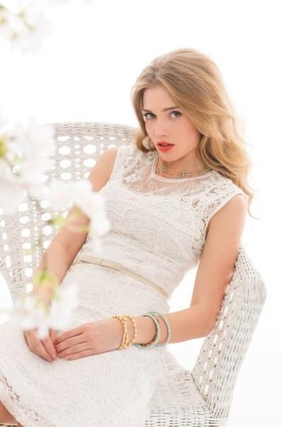 Зола белое платье