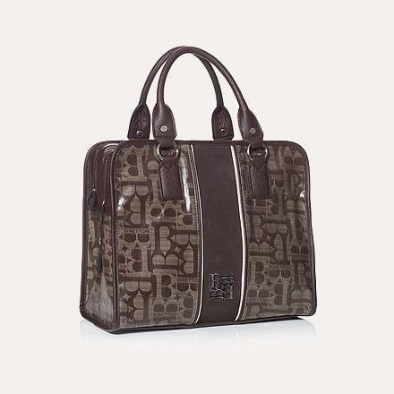 Кожаная сумка Benetton удобна своей практичностью и множество внутренних...