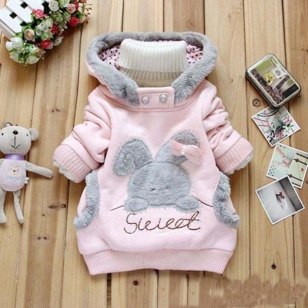 Модные вещи для новорожденных девочек