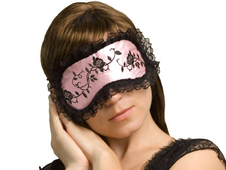 Как сделать ночную повязку для глаз