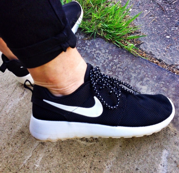 Кроссовки для бега Aliexpress Running Shoes roshe run Couples Shoes men and  women Walking Shoes sports 103932f8d19af