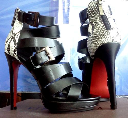 Босоножки женские Vallenssia fashion   Отзывы покупателей cd625801c34