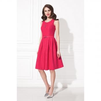 Платье малинового цвета фото
