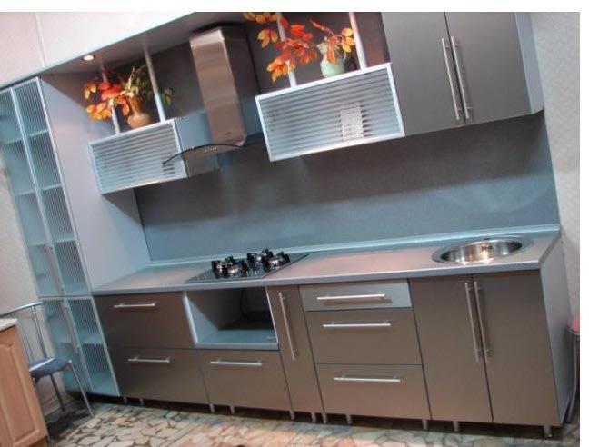 Кухня пластик и металлик кухни