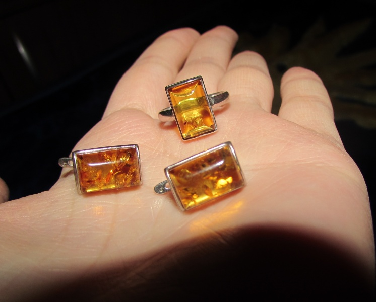 Украшения из янтаря в серебре и золоте, ювелирные