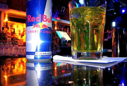 Коктейль вода + энергетический напиток  - опасны для здоровья