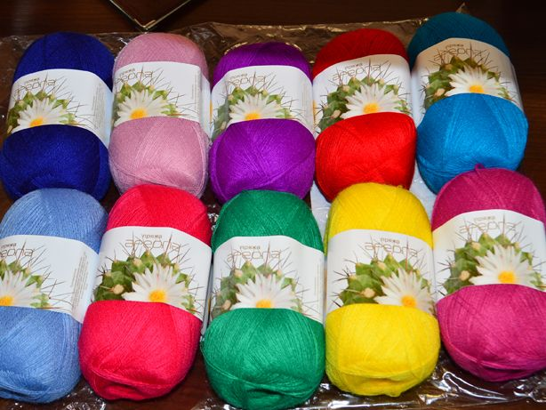 Акриловые нитки для вязания цвета