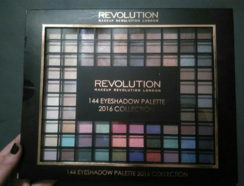 Палетка теней для век Makeup Revolution Makeup Revolution Ultimate 144 Eyeshadow Palette 2016 - отзывы