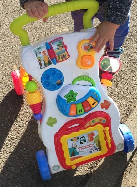 2df2435f54af Каталка-ходунки Happy Baby JUNIOR - «не стоит тех денег, за которые ...