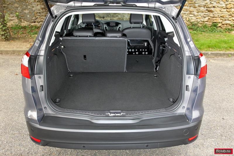 фото форд фокус универсал 3